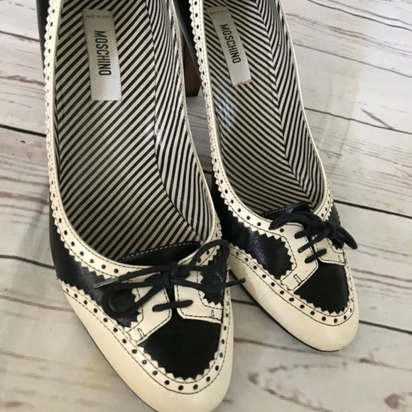 Moschino Shoes - Moschino Tuxedo Spectator leather lace-up heels!